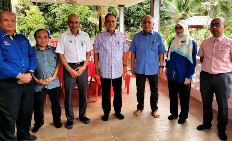 Jalan Tanjung Gahai dan     Pejabat Daerah Kecil Jelai beri kemudahan kepada penduduk