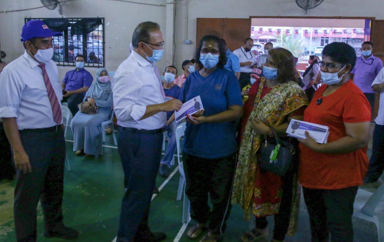 Kerajaan Pahang sumbang RM140,000 kepada mangsa ribut