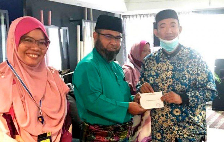MUIP beri wang ehsan kepada 350 guru al-Quran asrama