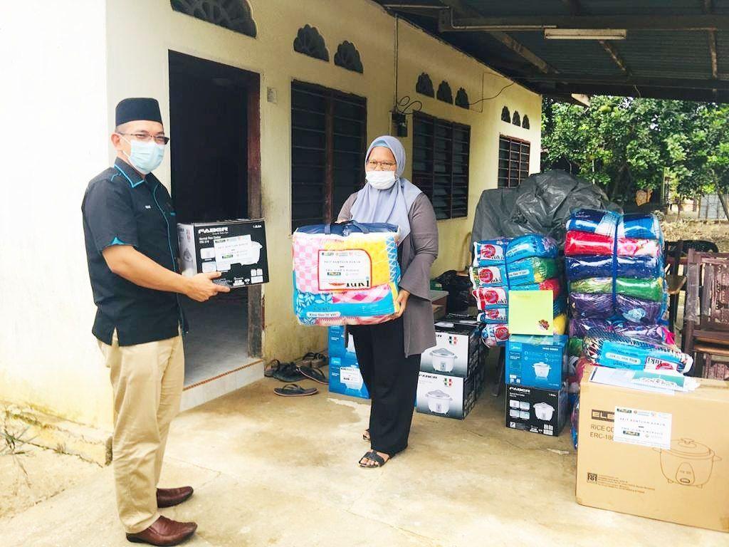 UIAM hulur bantuan kepada mangsa banjir