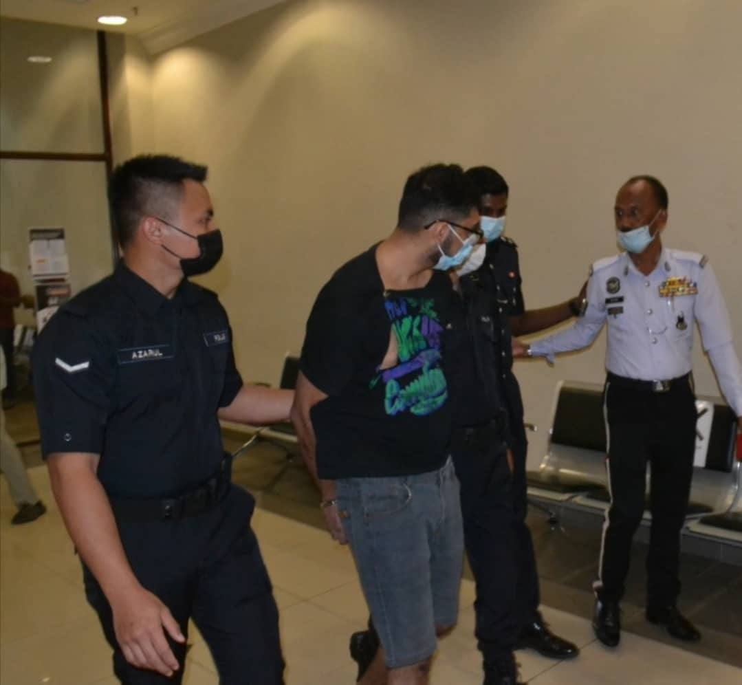 Pemandu mabuk dituduh menyebabkan kematian penunggang motosikal