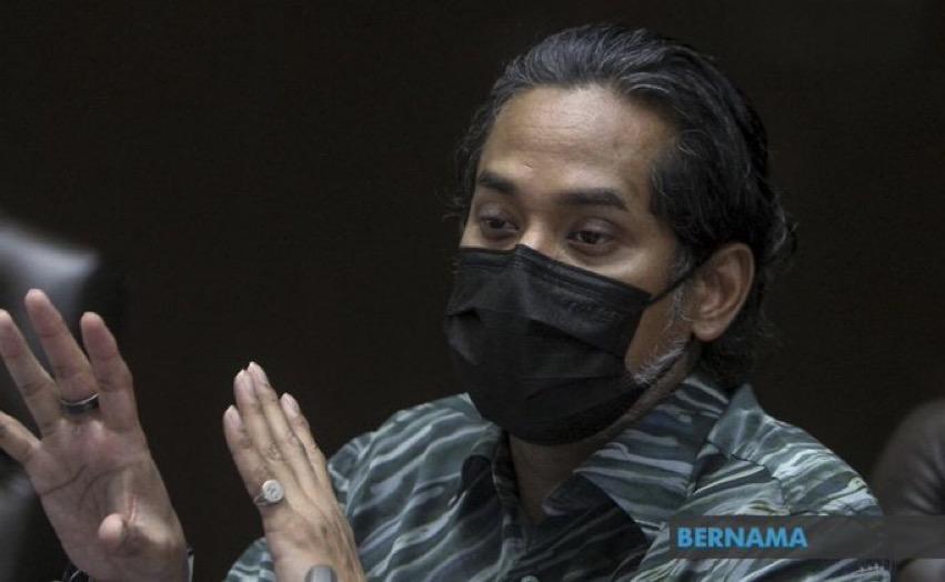 Pekerja hotel divaksin selepas selesai vaksinasi petugas barisan hadapan
