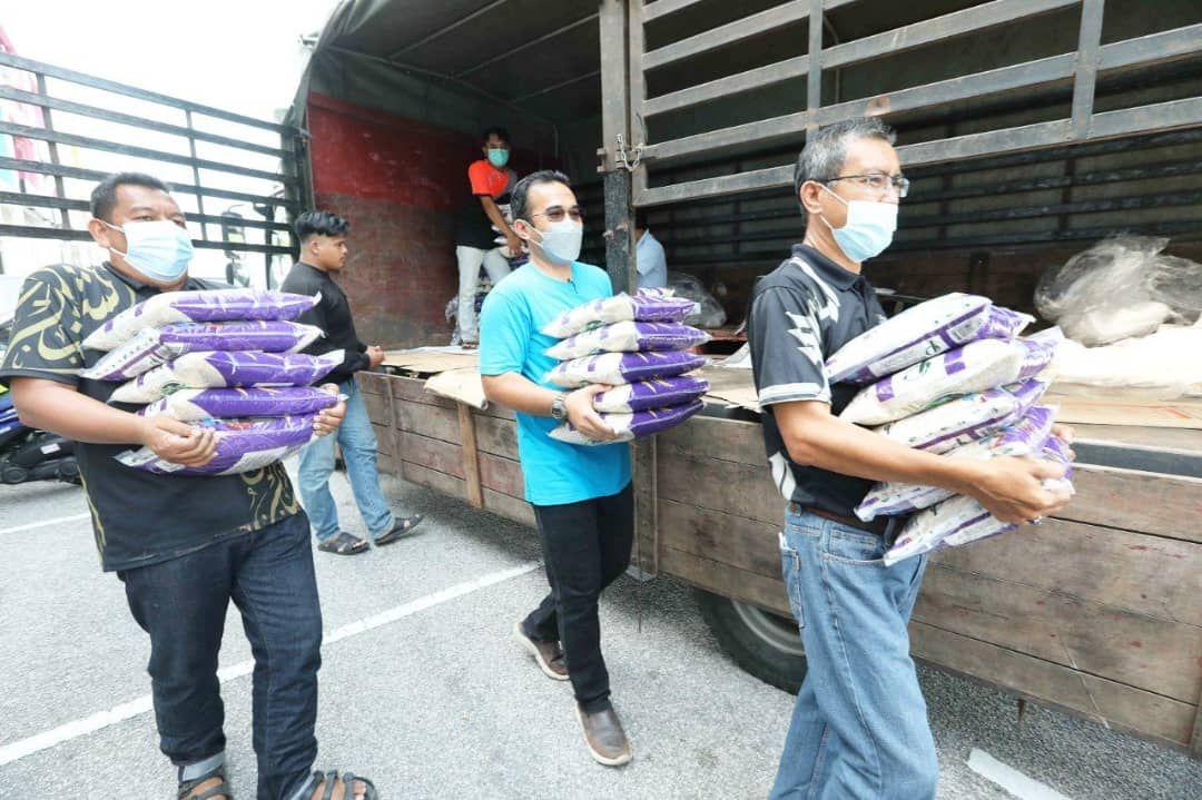 1,500 keluarga terkesan dapat beras percuma