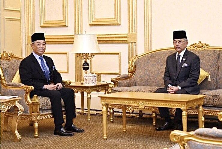 Agong perkenan supaya Muhyiddin jalan tugas PM sementara
