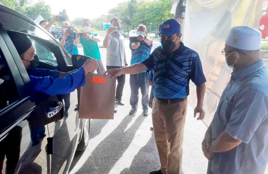 Giliran cikgu KAFA, pegawai masjid di Lepar dapat bantuan